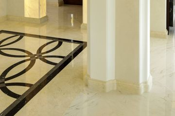 Profiled marble handrail for staircase