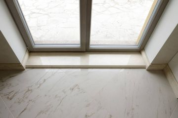 Crema Marfil window sill and skirting