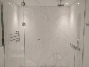 Namibian White marble bathroom wall panels